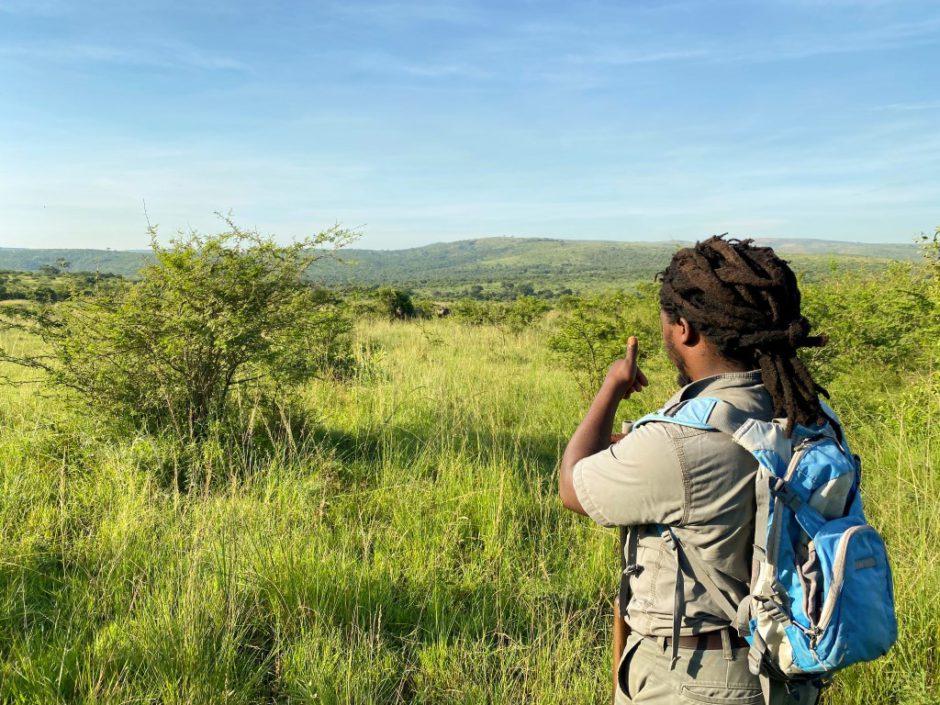 Rhino Ridge Safari Lodge: Auf Buschwanderung mit Nunu