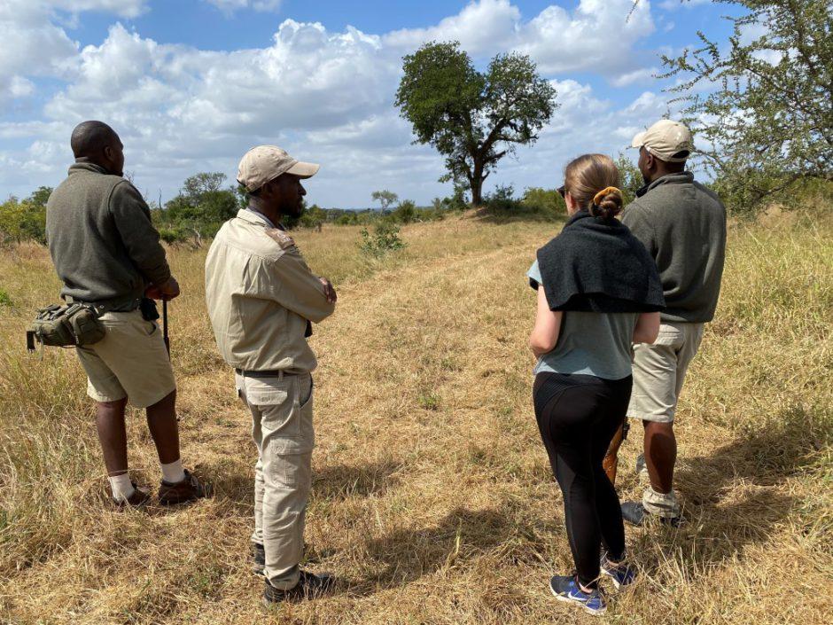 Safari à pied entourée de Andries, Chris & Shane