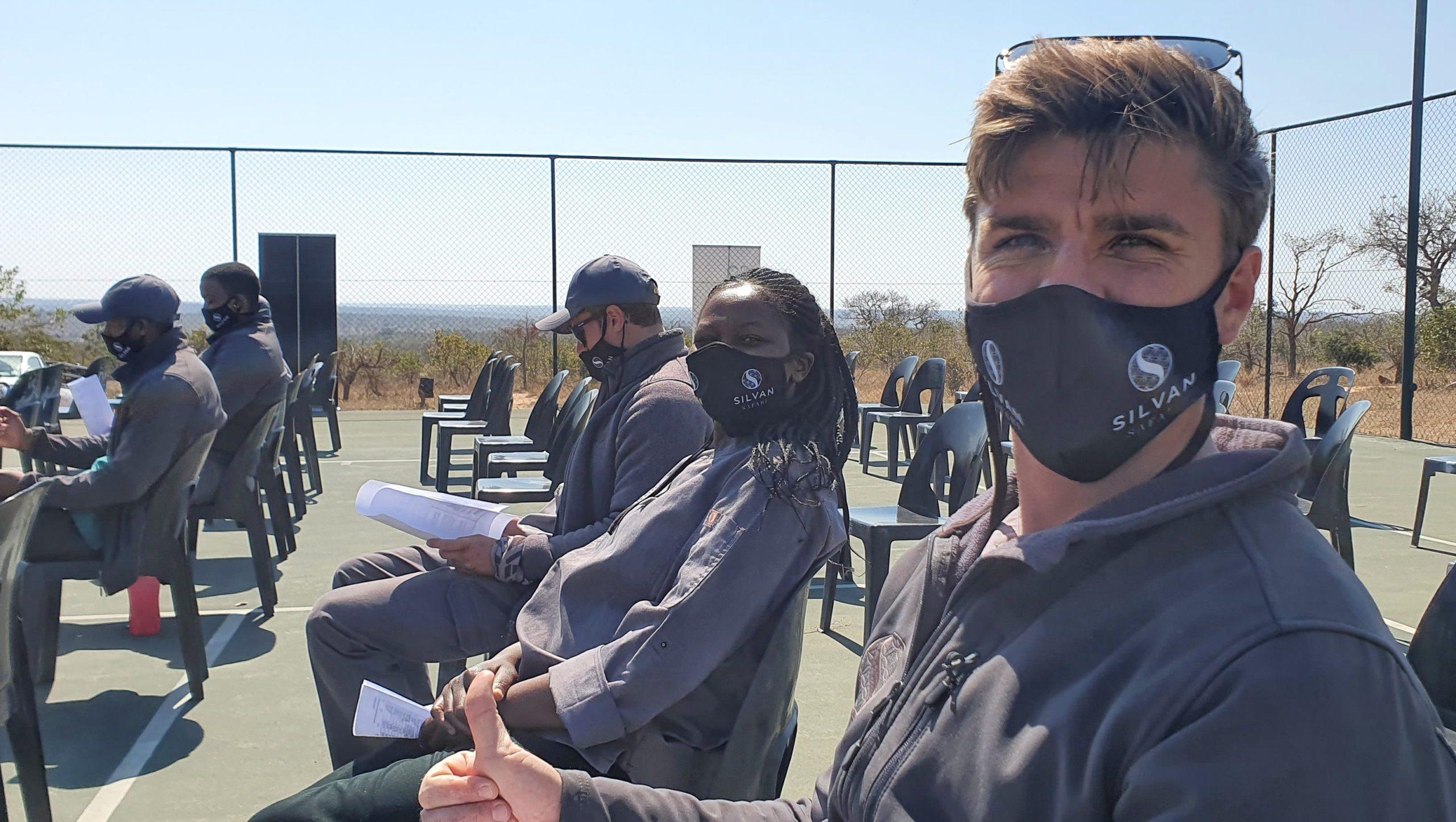 El equipo de Silvan Safari tras recibir la vacuna